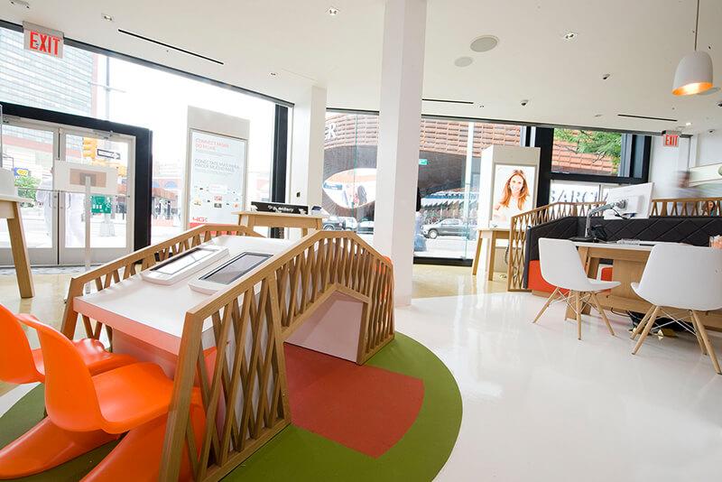 Viva Movil telecom retail store design