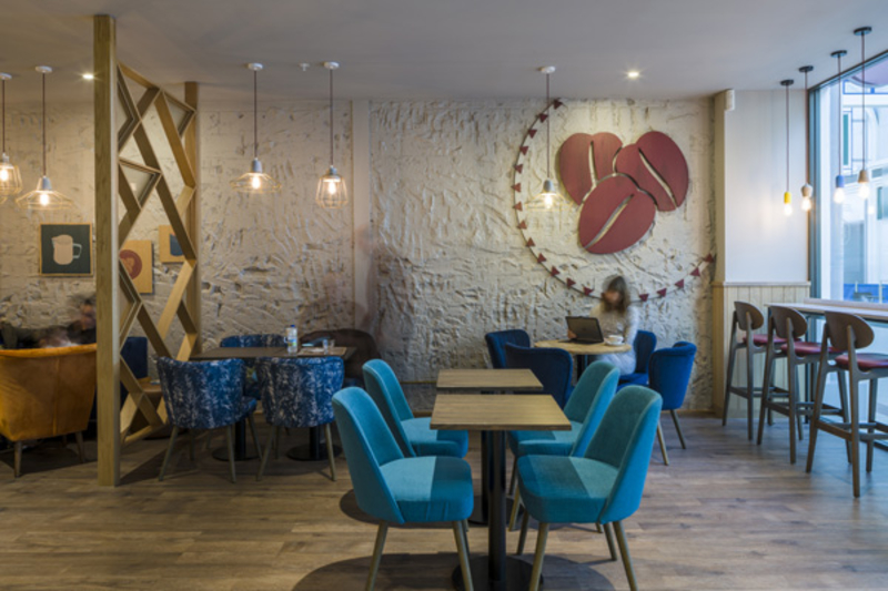 Costa concept store