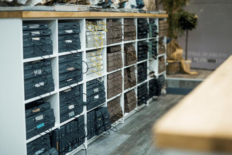 Bespoke retail design merchandising unit